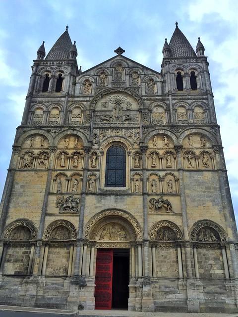 Fachada de la Catedral de Angulema (Francia)