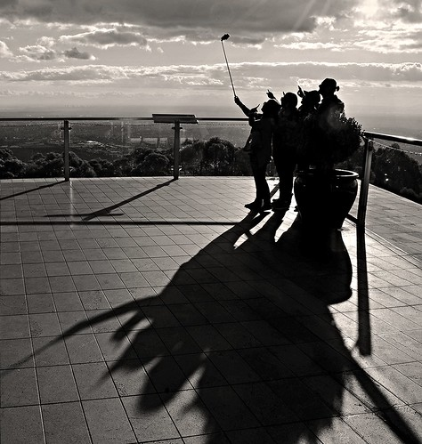 phunnyfotos australia victoria vic melbourne dandenongranges dandenongs thedandenongs skyhigh tourism tourists selfie selfies group people mono bw monotone view outlook deck observationdeck observatory nikon d5100 nikond5100 shadow shadows silhouette silhouettes selfiestick photo mountdandenong mtdandenong