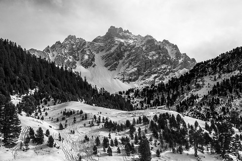 blackandwhite france mountains montagne noiretblanc pays meribel