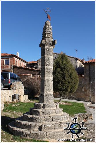 Plaza del Rollo o la Picota, Calatañazor, Soria. España.