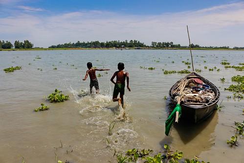 camera sky tree water childhood canon river lens boat fisherman flickr fotografie riverside exploring scout run explore kit 1855 bangladesh 18mm bera pabna canon700d xplorstats