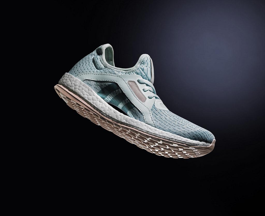 6.PureBOOST X全新配色-湖水綠將於8月10日於全台開售,重新定義女性運動時尚態度,售價NT$ 3,690