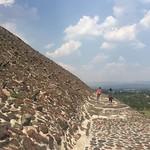 Walk around Piramide del Sol