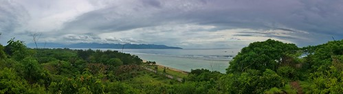 View from the hilltop.  Gili T is the only Gili which has any elevation making it a great spot to watch the sunrise over Rinjani or the sunset over bali in the distance...assuming you get a clear day :)