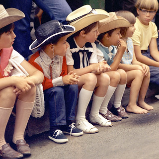 Children watching the Calgary Stampede Parade