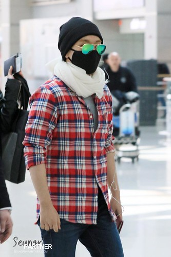 Big Bang - Incheon Airport - 01apr2015 - Seung Ri - Partnervi - 04