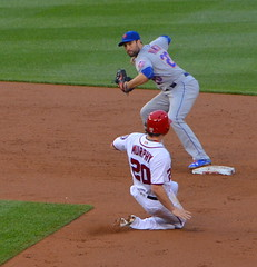 Mets try to turn two