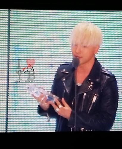 Taeyang-MelOnAwards2014_1-32