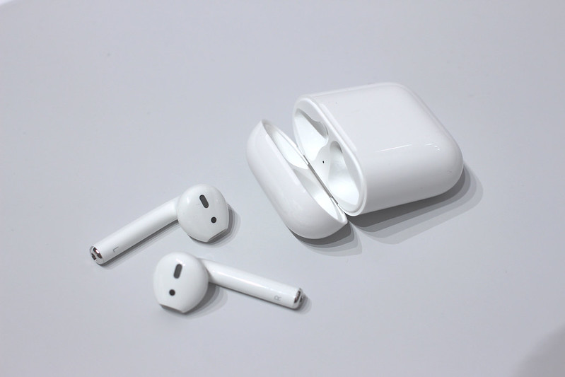 New Apple AirPods with iPhone 7