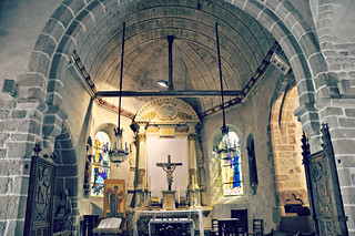 http://hojeconhecemos.blogspot.com/2015/06/igreja-s-pierre-e-cemiterio-mont-st.html