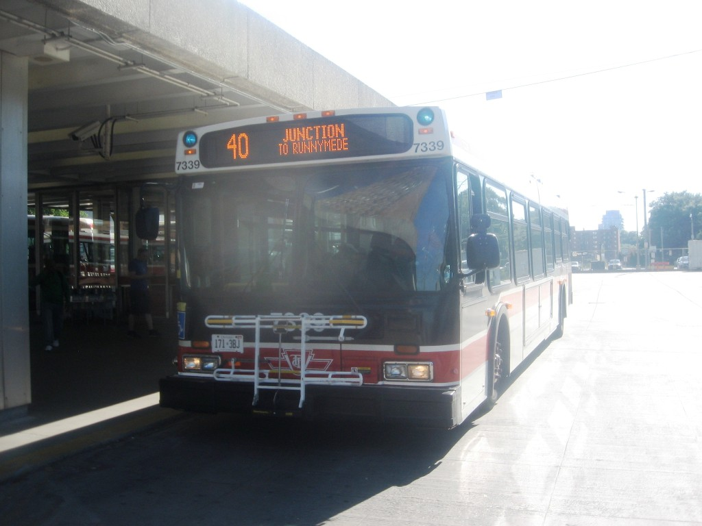 TTC 1999 New Flyer D40LF #7339