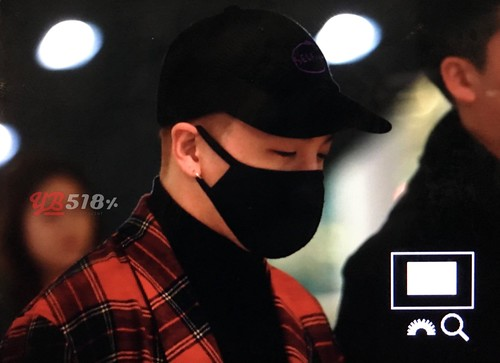 Big Bang - Incheon Airport - 27mar2016 - YB 518 - 01
