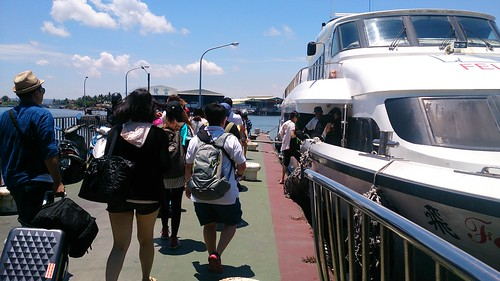 小琉球假日有高達2千名遊客登島。攝影:李育琴。