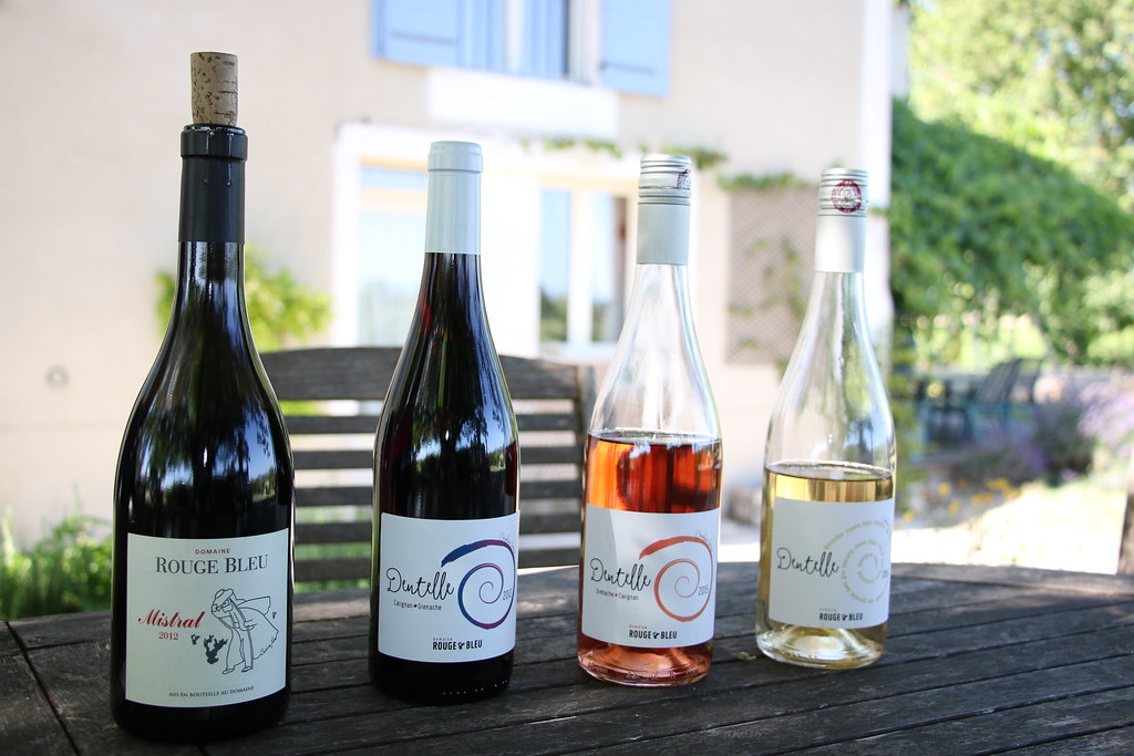 provence wine domaine rouge bleu wine tasting