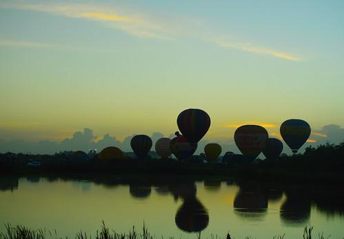reflection clouds florida hotairballoon fl immokalee immokaleeballoonsoverparadisefestival