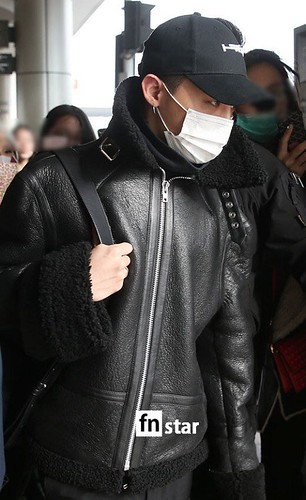 BIGBANG (wout Seungri) arrival Seoul Gimpo from Beijing 2016-01-02 (30)