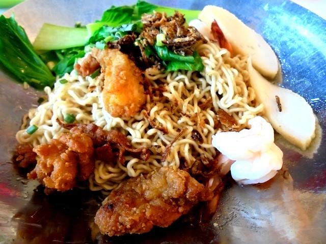 SCR seafood kolo mee