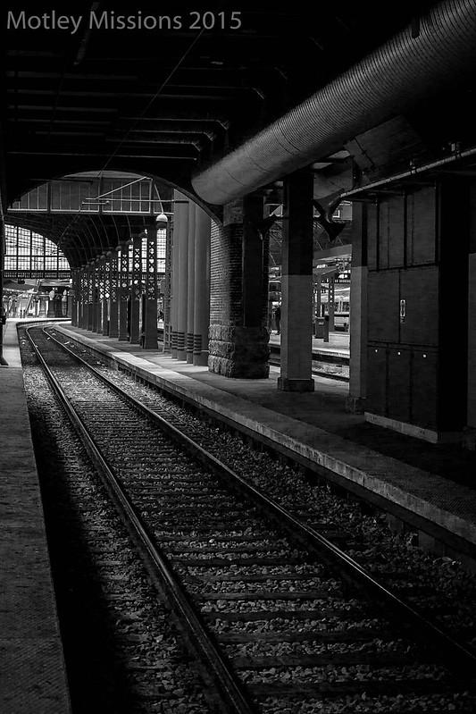 train tracks in tunnel