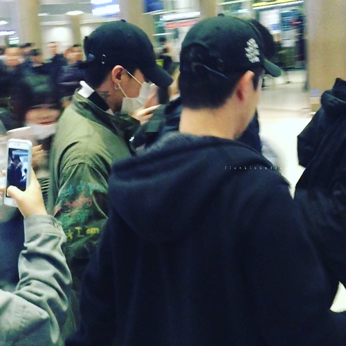 Big Bang - Incheon Airport - 27mar2016 - LionKissedDeer - 05