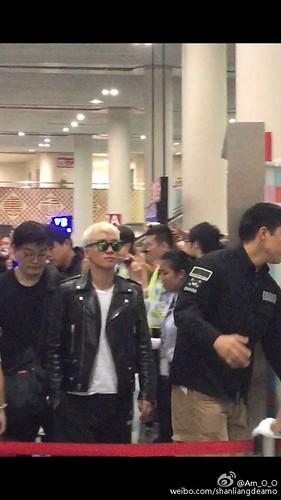 BIGBANG departure Macao to Seoul 2015-10-26 shanliangdeamo (1)