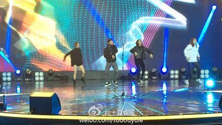 Taeyang-YoungChoiceAwards-Beijing-20141210-Rehearsals_4