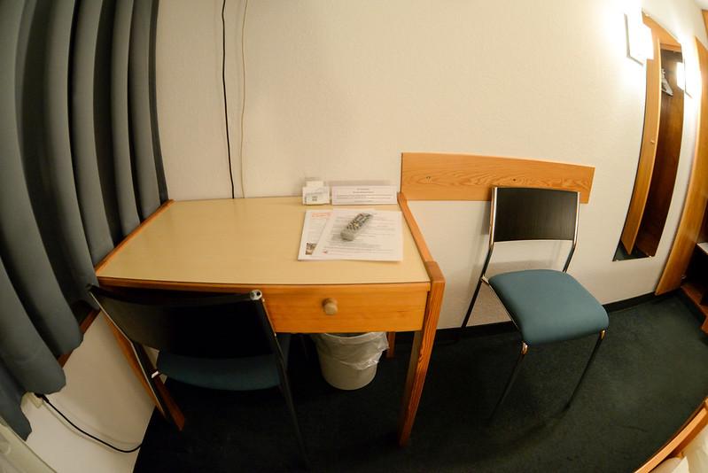桌子、椅子