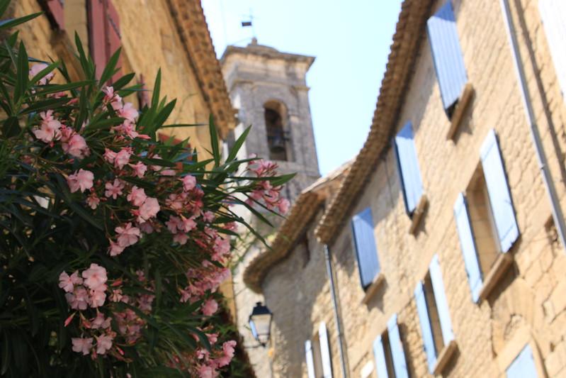 provence village chateauneuf du pape street 2