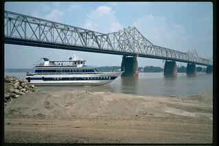 96f020: Star of Louisville upbound at Clark Bridge
