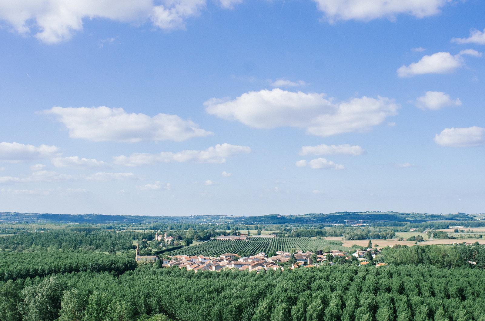 Depuis la terrasse d'Auvilar, surplombant la Garonne