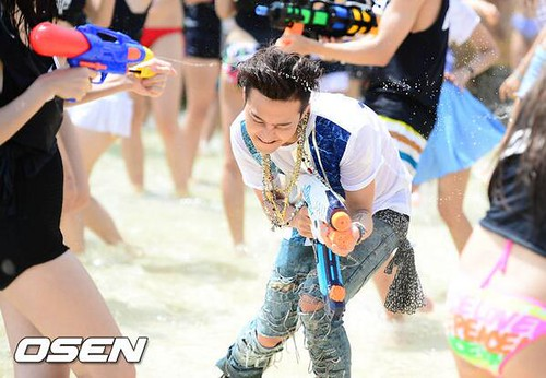 GDragon_WaterWorld_CF-Event_20140704 (17)
