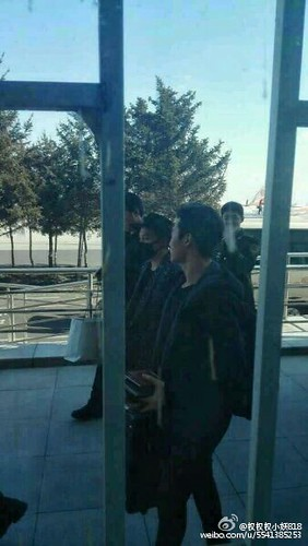 Big Bang - Harbin Airport - 21mar2015 - Tae Yang - 权权权小妖818 - 01