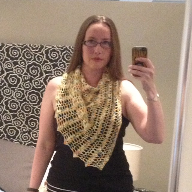 Diagonal triangle shawl