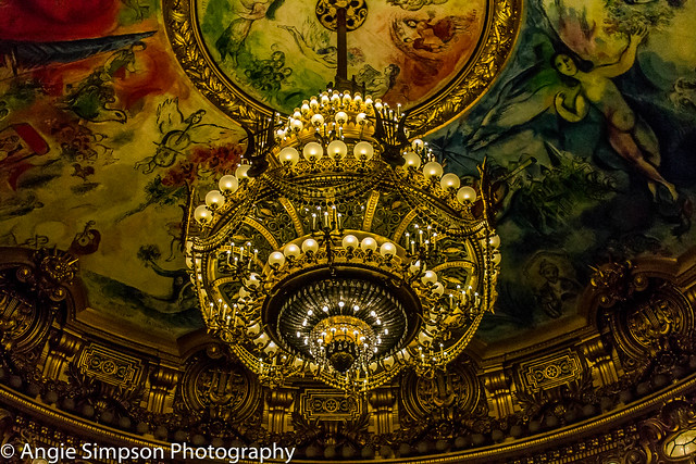 opera main chandelier (1 of 1)