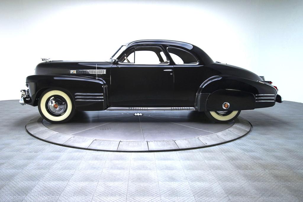 41030_D Cadillac Series 62 346CI Monobloc V8 3SPD Sedanette_Black