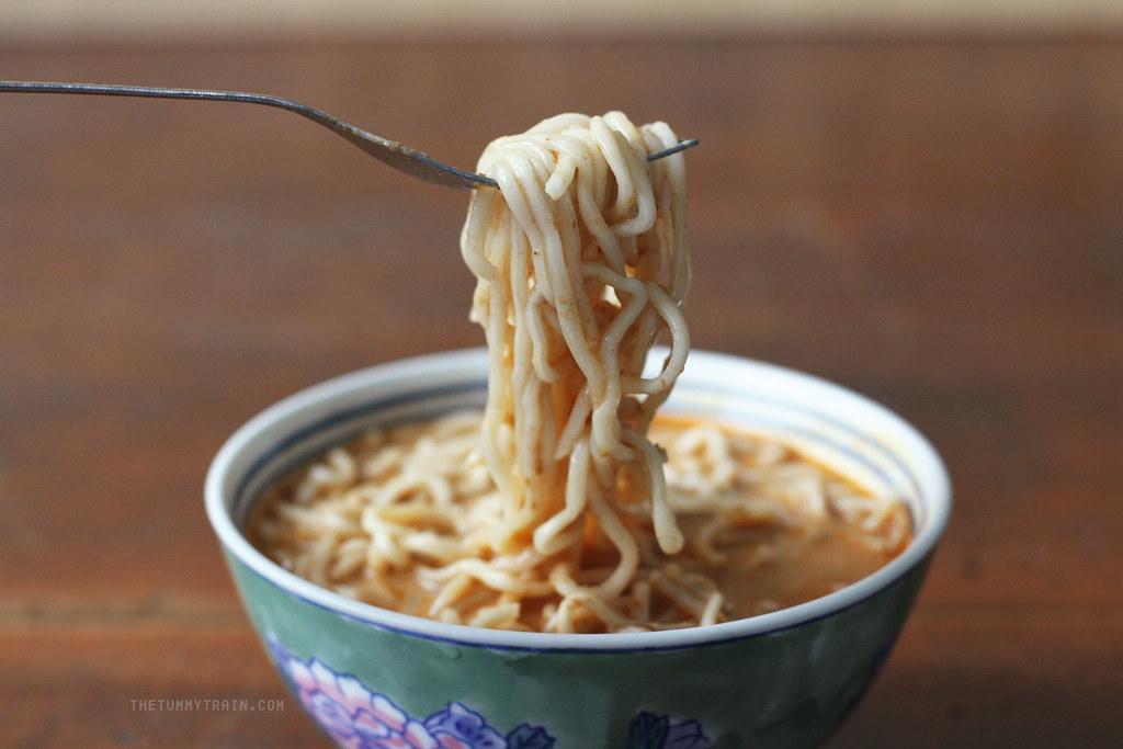 18040095218 2e76b56322 b - A Prima Taste Instant Noodles Review