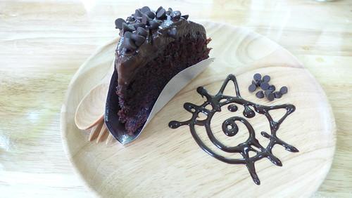 今日のサムイ島 5月30日 猫カフェ-チョコレートケーキ