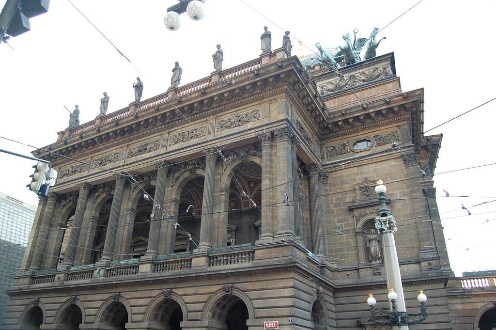Edificio de la Opera en Praga