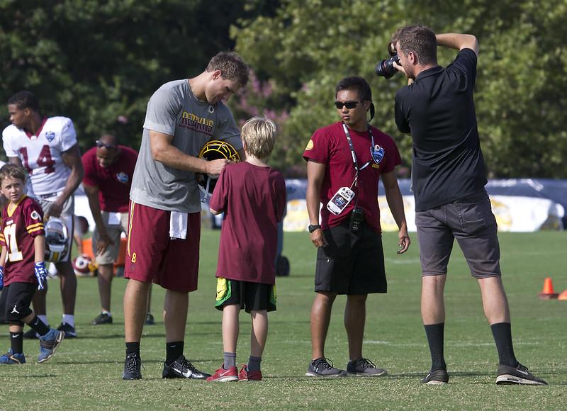 2016 Washington Redskins Richmond Training Camp NFL Football  Kirk Cousins Quarterback 8 signing autographs photographer