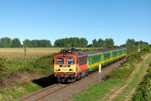 m412301 418301 máv mozdony vonat vasút csörgő hörgő train rail railway railroad landscape