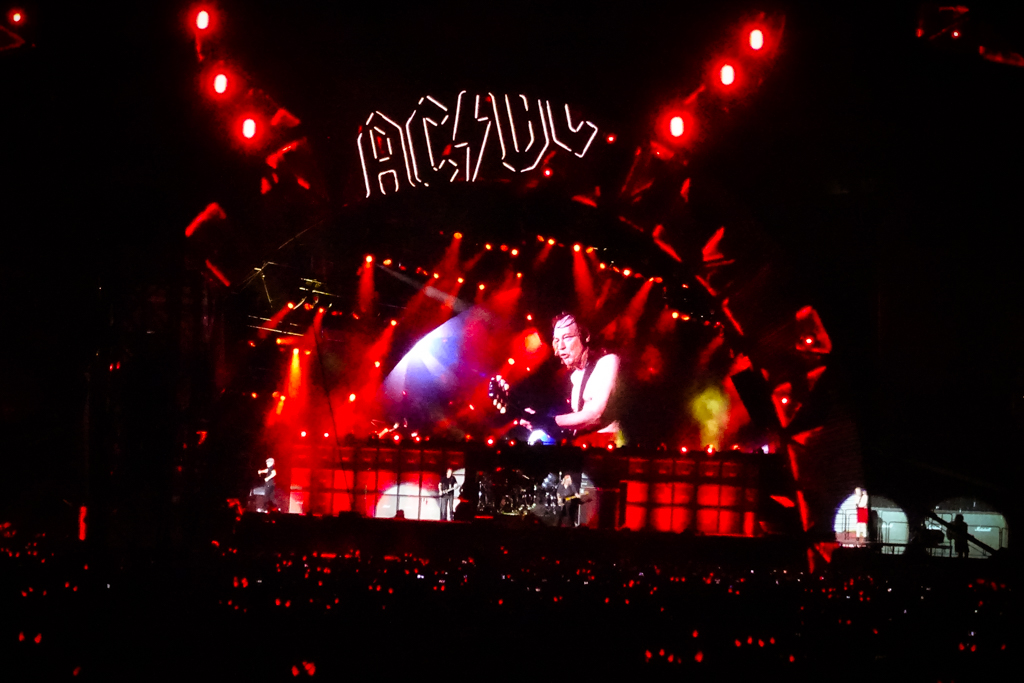 AC/DC Rock or Burst