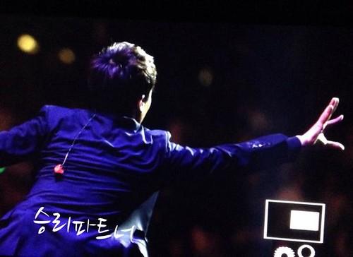 Seungri-BestofBest-HongKong_20140802 (12)
