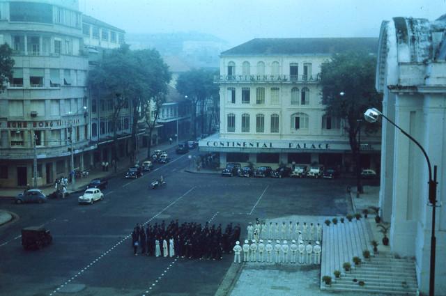 SAIGON June 1963 - Đường Tự Do, Thương xá EDEN, KS Continental Palace & QUỐC HỘI