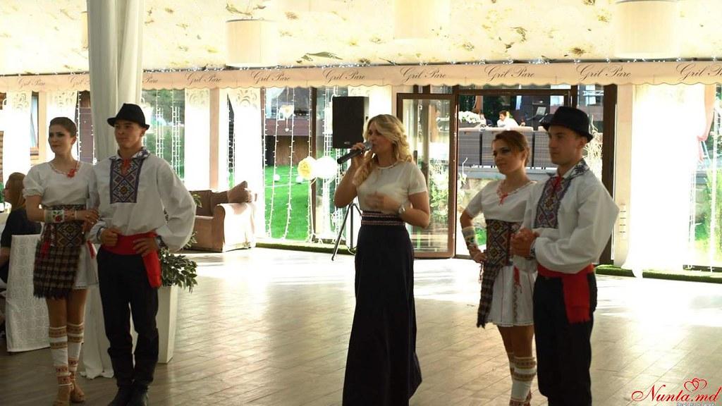 Moderatoarea  și solista de muzica ușoară Cazac Diana (romana și italiana) > Foto din galeria `Principala`