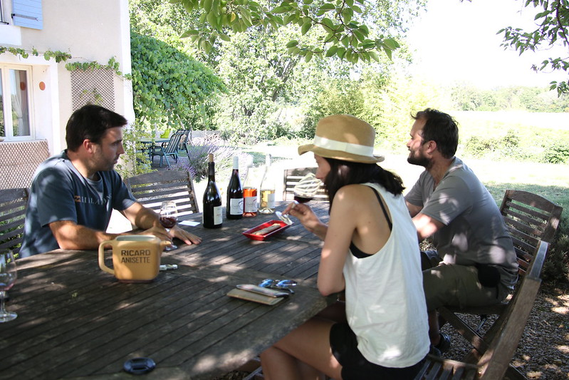 provence wine domaine rouge bleu
