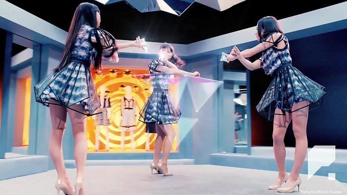 Perfume está de volta com Pick Me Up / Relax The City, seu duplo single