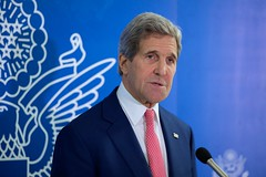 U.S. Secretary of State John Kerry delivers a statement to the U.S. and Somali media in Mogadishu, Somalia, on May 6, 2015, after attending meetings with Somali President Hassan Sheikh Mohamud, Prime Minister Omar Abdirashid Ali Sharmarke, Somali regional leaders, members of Somali civil society, and U.S. Special Representative for Somalia James McAnulty. [State Department Photo/Public Domain]