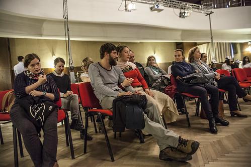 Diskuze s performery