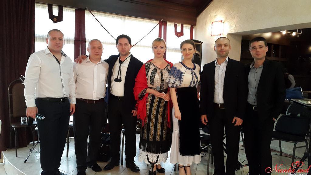 Lucia Bejenari cu lautarii sai > Foto din galeria `Principala`