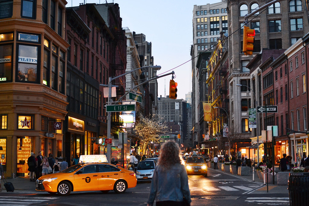 Union Square Nyc Neighborhoods Rentals Travel Reviews