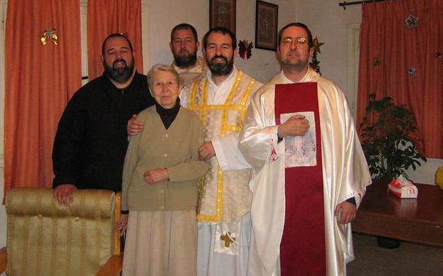 Cuatro misionerso con su madre, religiosa